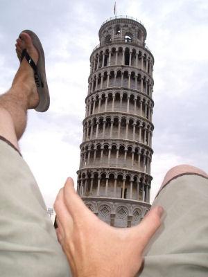 normaal-creative-pisa-tourist